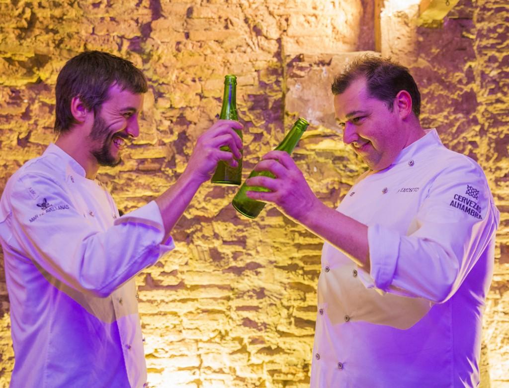 Los chefs de Mar de Avellanas brindan por el éxito de Noches de Alhambra