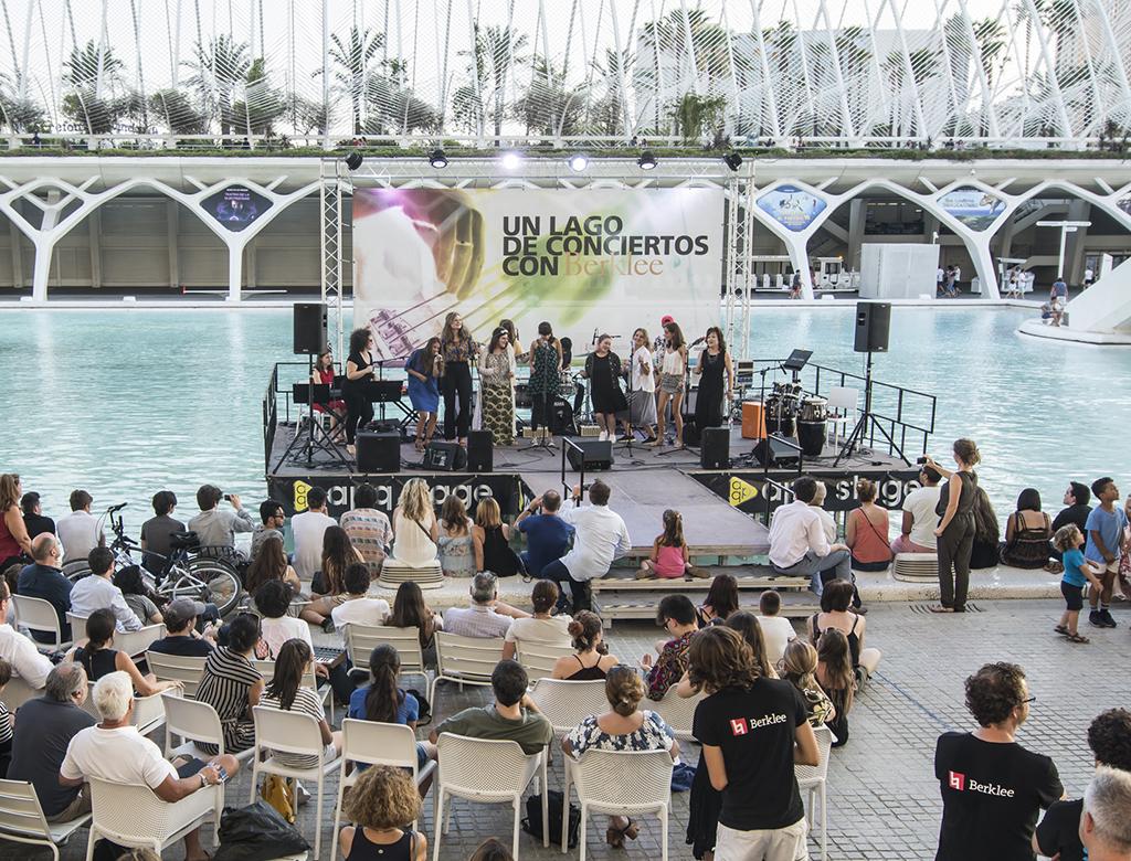 Un lago de conciertos 2017.lecoolvalencia